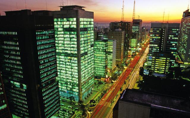 Evento Tom Campbell Próximo a Avenida Paulista